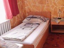 Bed & breakfast Sirok, Kék Guesthouse