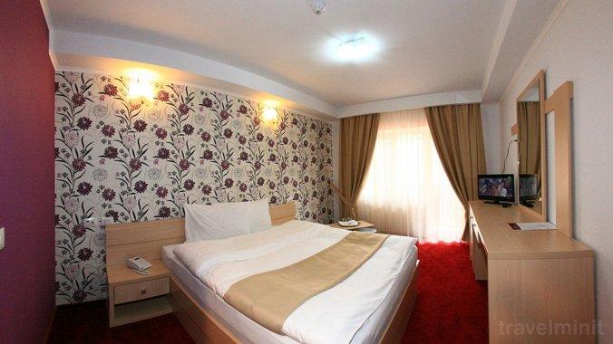 Roman Hotel Borșa