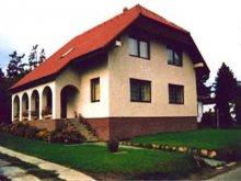 Cazare Szentbékkálla, Apartament Eva