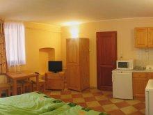 Apartament Csabaszabadi, Apartamente Varázskő