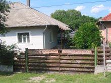 Cazare Tiszarád, Casa de oaspeți Papréte