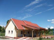 Casă de oaspeți Tiszaroff, Casa de oaspeți Kalandpark