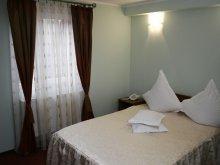 Hotel Bucovina, Hotel Casa de Piatră