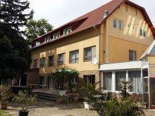 Hotel județul Veszprém, Hotel Kenese