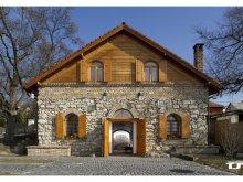 Apartament Mocsa, Pivniță de Vinuri și Pensiune