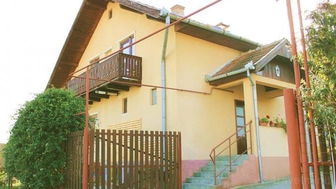 Familia Guesthouse Deva