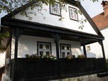 Accommodation Broșteni (Produlești), Căsuța cu Pridvor Chalet