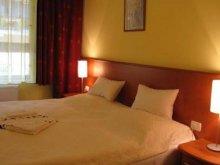Hotel Ungaria, Hotel Part