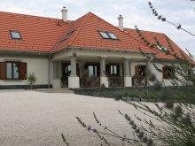 Vilă Mucsfa, Casa de oaspeți Villa Tolnay