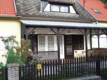 Accommodation Balatonmáriafürdő, Vörös Apartment