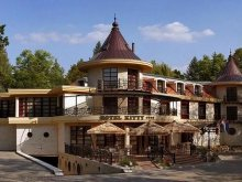 Hotel Eger, Hotel Kitty