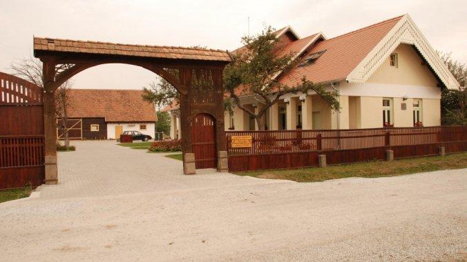 Borsika Guesthouse Ciumani