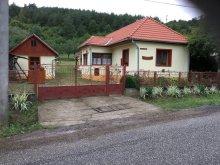 Cazare Révleányvár, Apartament Rebeka
