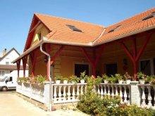 Accommodation Tiszanagyfalu, Szivárvány Guesthouse