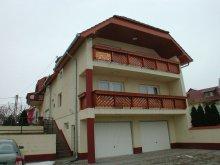 Cazare Balatonfenyves, Apartament Gyula (A)