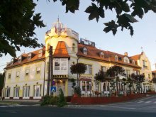 Hotel Vöröstó, Hotel Balaton