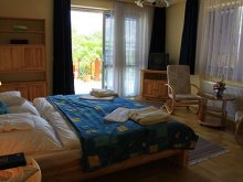 Accommodation 47.446033, 21.400371, Napsugár Luxury Apartment