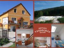 Accommodation Szépasszony valley, István Guesthouse