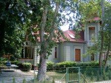 Casă de vacanță Zamárdi, Vila Szemesi