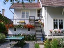 Accommodation Sovata, Tichet de vacanță, Sóvirág Guesthouse