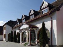 Hotel Szentegyháza (Vlăhița), Hotel Prince