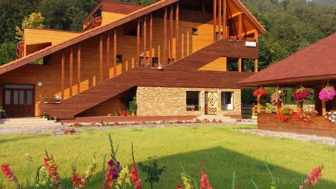 Green Eden Guesthouse Lepșa