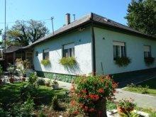 Cazare Balatonfenyves, Casa de vacanță Viola