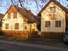 Apartament Ungaria, Pensiunea Bazsarózsa