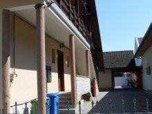 Cazare Kislippó, Apartamente Oázis