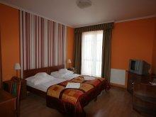 Pensiune Mérges, Pensiunea Hotel-Patonai