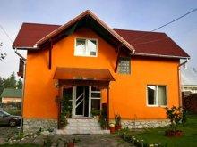 Vendégház Kománfalva (Comănești), Kaffai Panzió