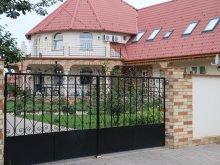 Accommodation Tiszarád, Menyecskeház Guesthouse