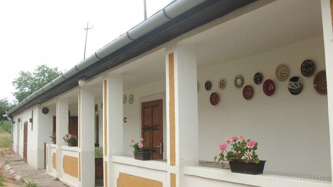 Casa Lukovics Monok