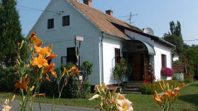 Cserépmadár Guesthouse Velemér