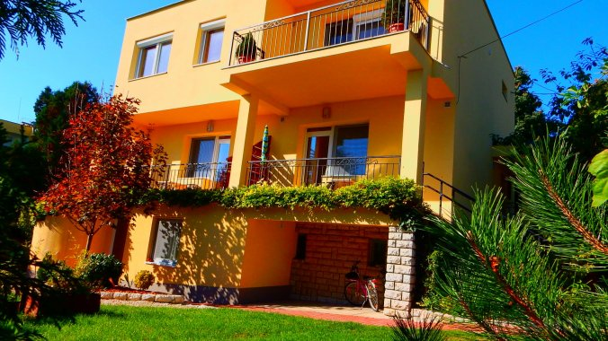 Almádi Apartment Balatonalmádi