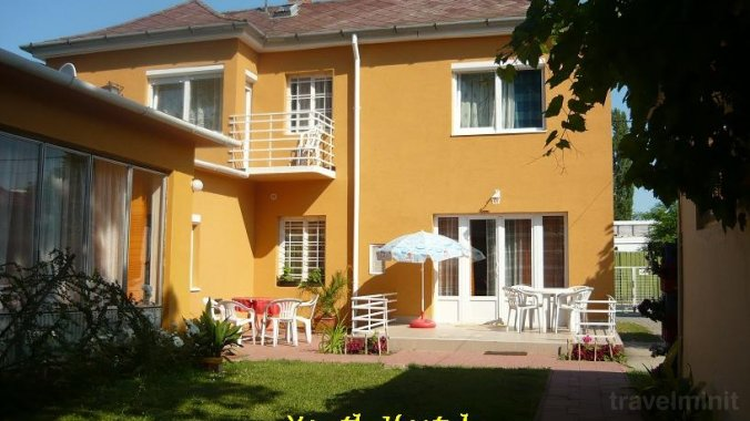 Youth Hostel - Villa Benjamin Siofok