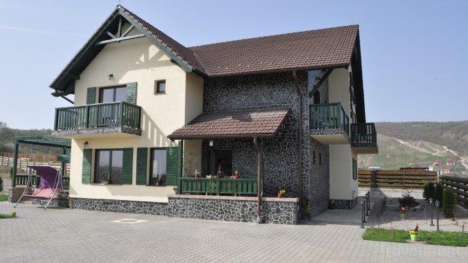 Poarta Paradisului Guesthouse Moldovenești