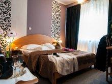 Hotel Casa de Piatră, Voucher Travelminit, Hotel Rusca