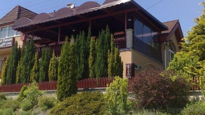 Turul Guesthouse & Lejtő Club Tatabánya
