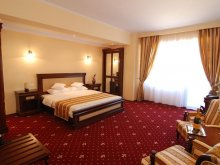 Standard Package Mamaia-Sat, Richmond Hotel