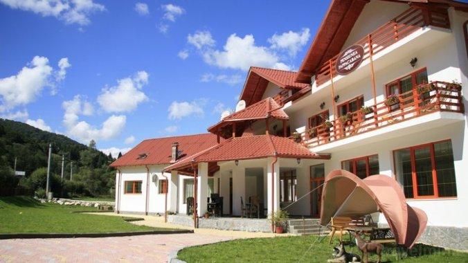 Pappacabana Guesthouse Rucăr