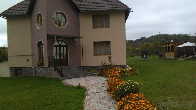 Luca Benga House Bran