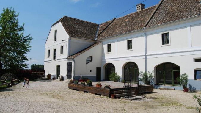 Edvy Malom Guesthouse Pápa