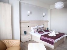 Accommodation Mamaia-Sat, Tichet de vacanță, Kharisma Vila