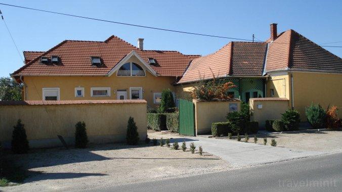 Casa de oaspeți Viola Pápa