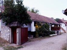Cazare Necrilești, Centru de Tineret Casa Tóbiás