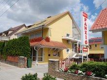 Accommodation Csánig, Szieszta Guesthouse