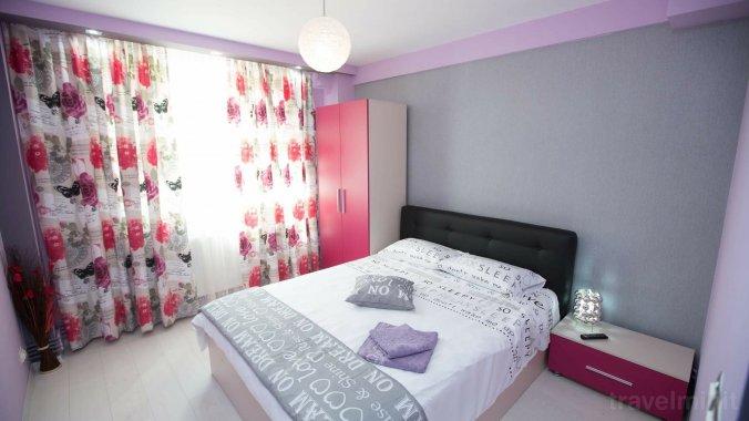 English Style Apartment Craiova