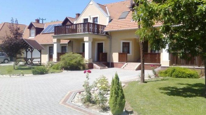 Casa Attila Kehidakustány