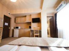 Villa Kiskalota (Călățele), Bonjour Apart Hotel